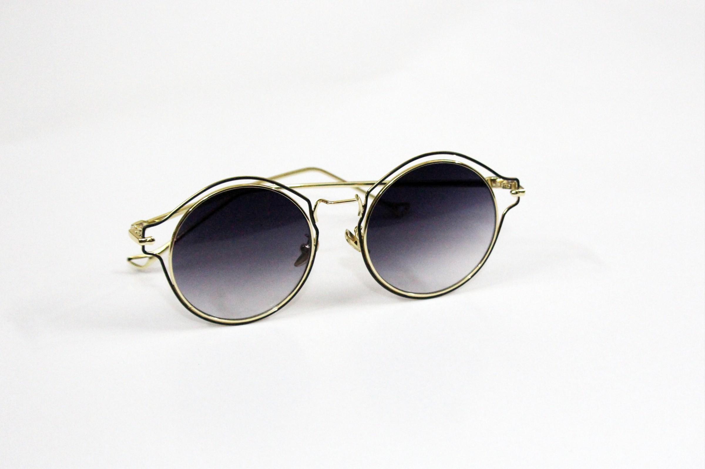 c0ada74fc5 Black Chain Cover Golden Frame Metal Lense Blue Markar Standard Size China  UV Round Unisex Sunglass ...